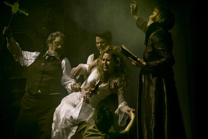 Death of Dracula's Mistress