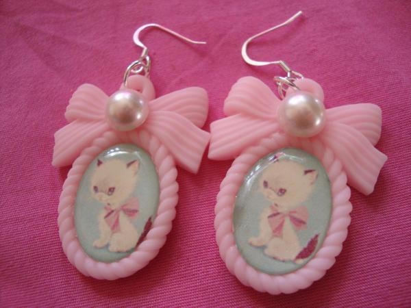 Prissy Kitty Earrings