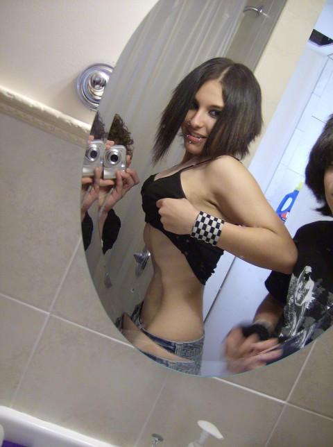 Anorexia. by ZombieNadia