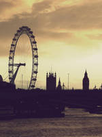 London by Hover-Crab