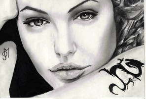 Angelina Jolie by OnlyMe722