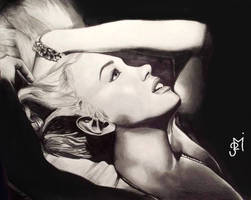Marylin Monroe by OnlyMe722