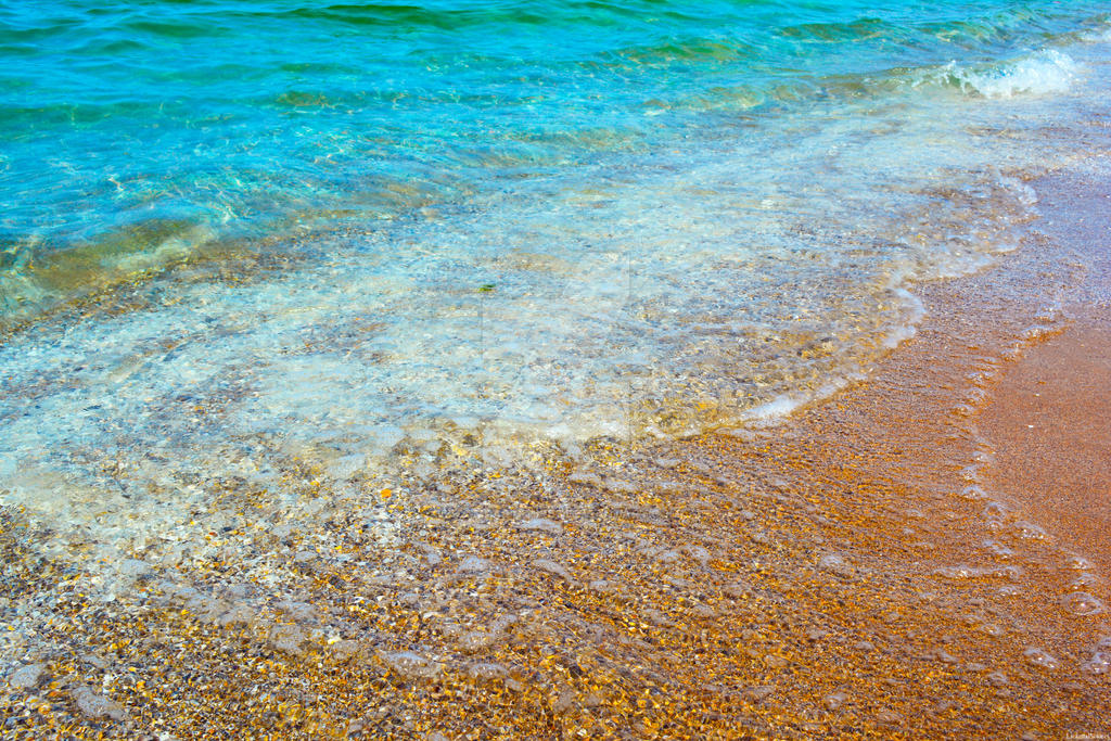Seashore by LicamtaPictures