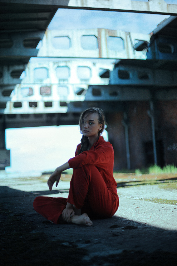 The Girl Who Fell To Earth V by kuzminphoto