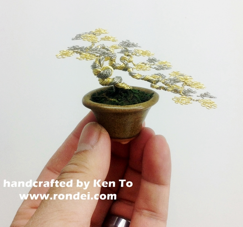 Two-tone semi-cascade wire bonsai tree by Ken To by KenToArt