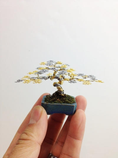 Two-tone wire bonsai tree by Ken To by KenToArt