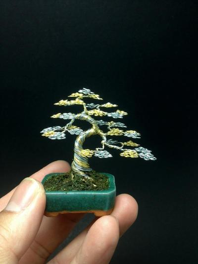 Two-tone upright wire bonsai tree by Ken To by KenToArt