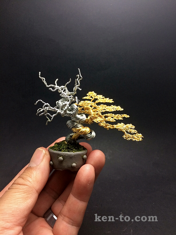 Gold deadwood wire bonsai tree by Ken To by KenToArt