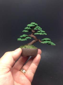Flocked wire bonsai tree sculpture by Ken To