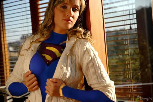 Juliana Salimeni supergirl