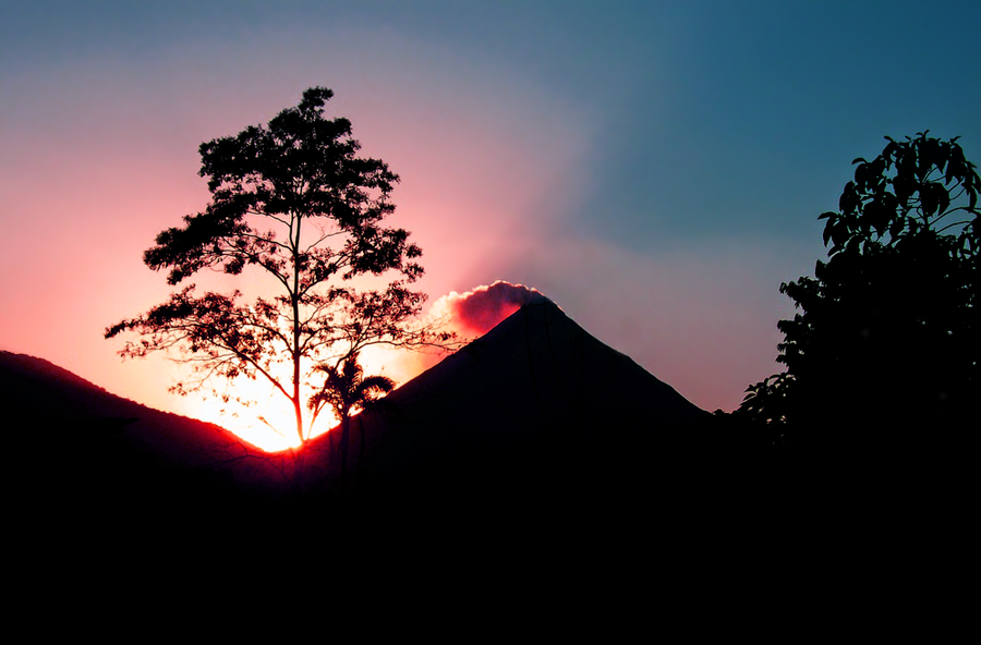 Arenal Volcano by abrahams-david