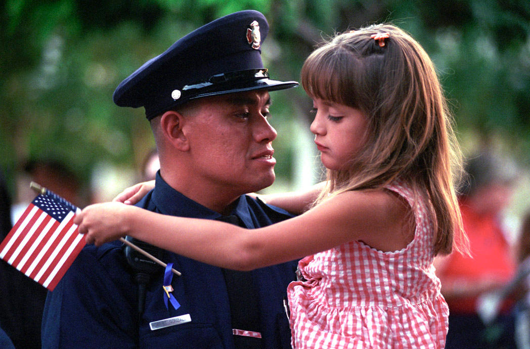 Fireman and child by photoart1