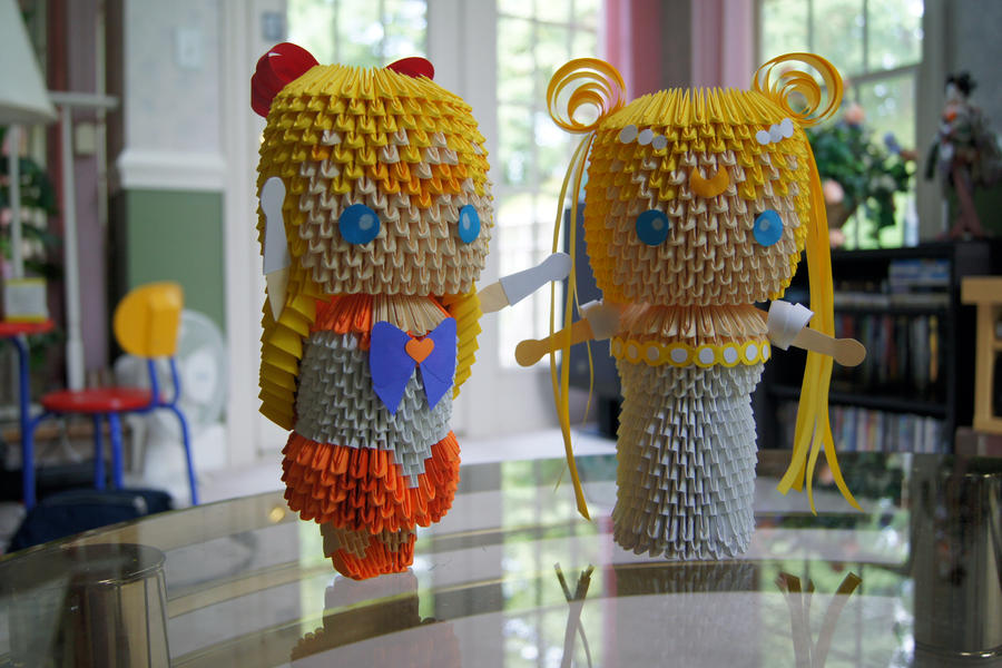 3D Origami: Sailor Moon and V by sabrinayen