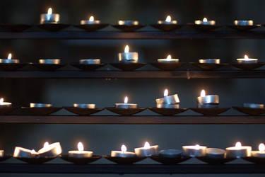 Candle in the row by zakomisoshiru