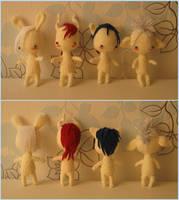Mini-dolls, with hair by Yuki87