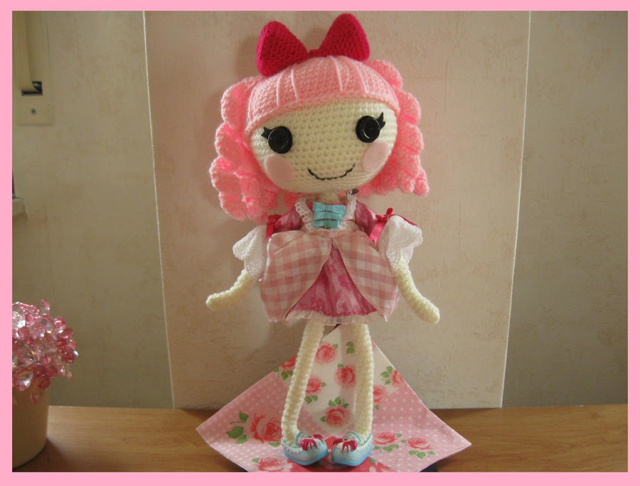 Crocheted Lalaloopsy, single photo by Yuki87