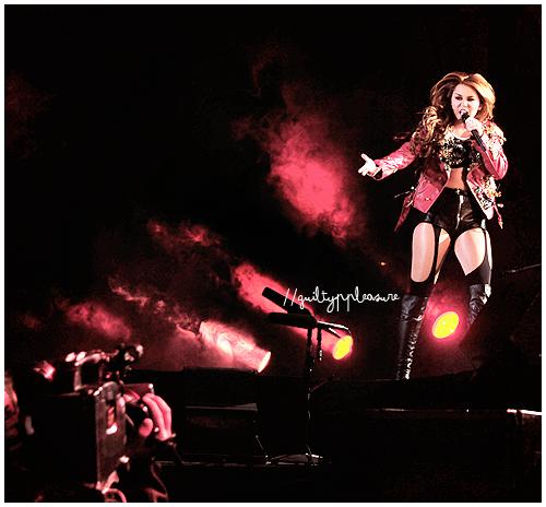 Miley Cyrus by guiltyppleasure