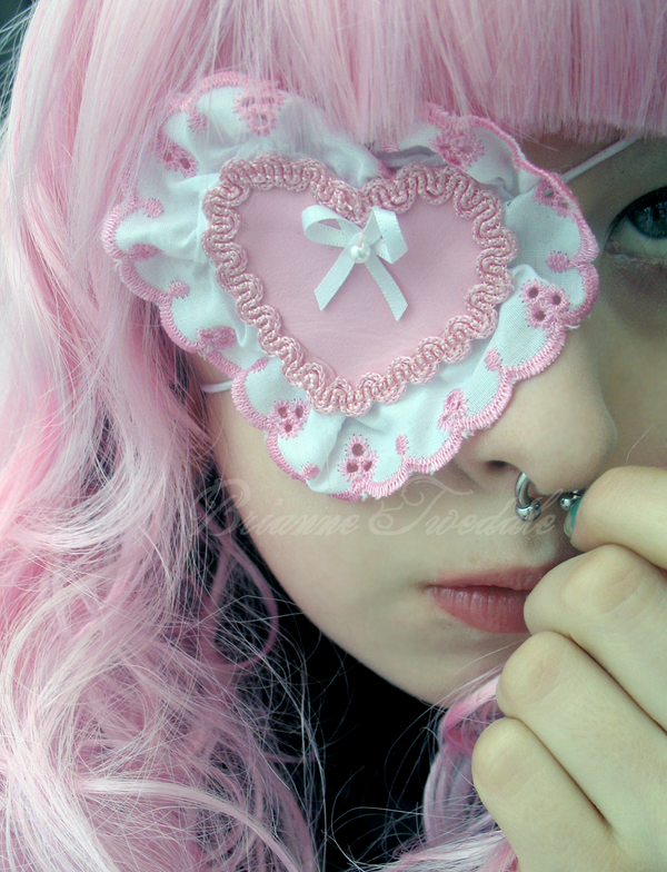 Sweet Lolita Heart Eyepatch by Neumorin