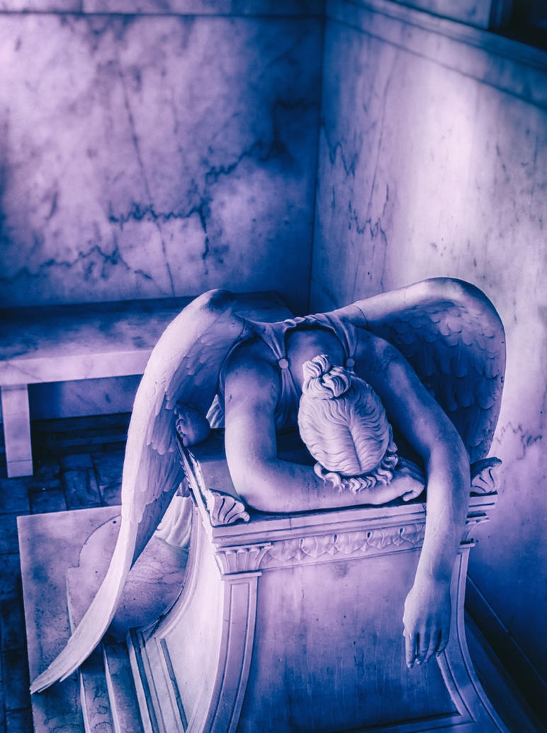 The Weeping Angel 01 by tmfNeurodancer