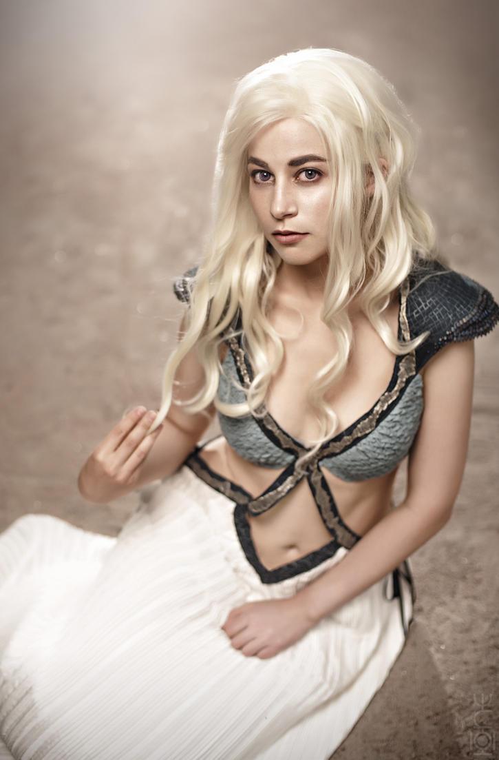 Daenerys Targaryen by Georgett