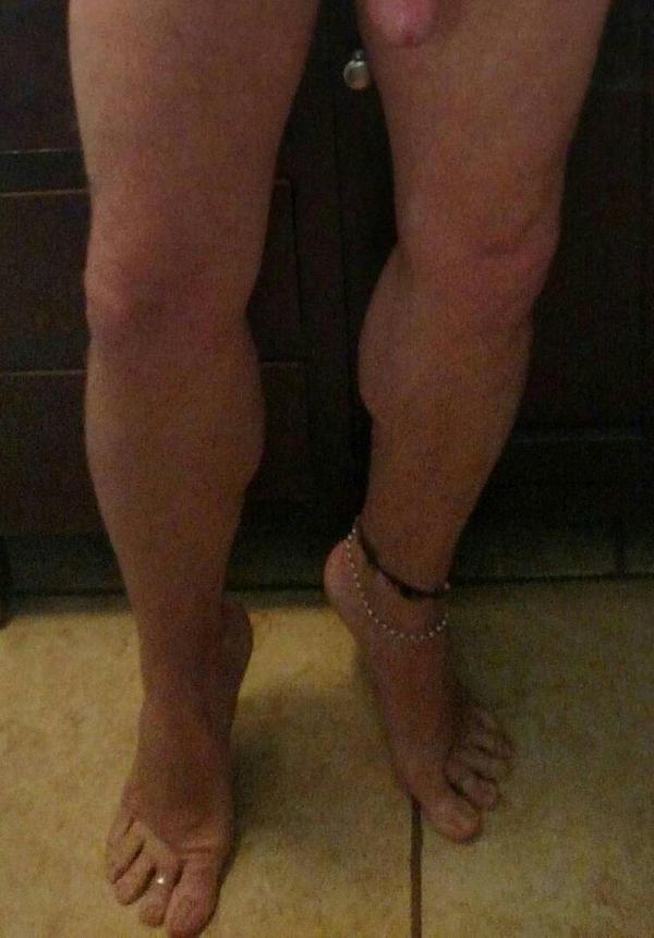 ...legs 'n feet... by toeringbro