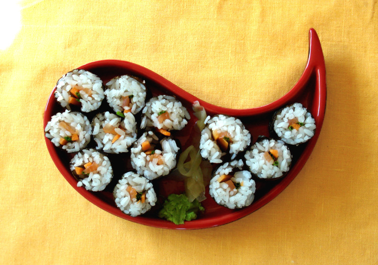 Sushi by NoctiLuna