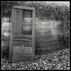 Door to Nowhere by mymamiya