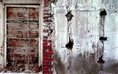 Decay by pauleric by UrbanExploration