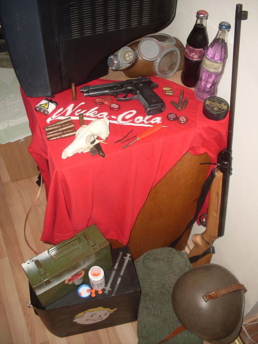 Most of my FALLOUT props by frazerus