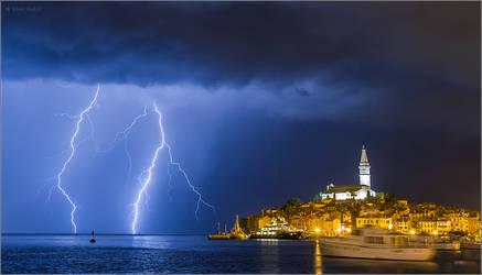 Lightning in Rovinj, Croatia by nrasic