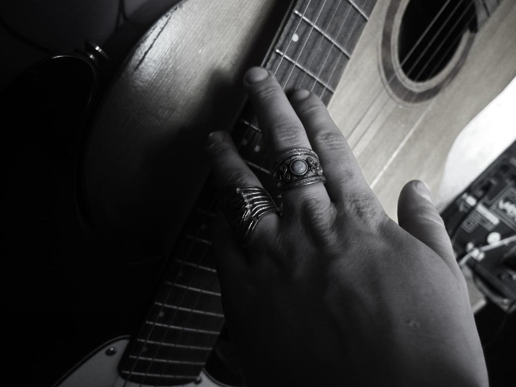 guitarist by khyriah