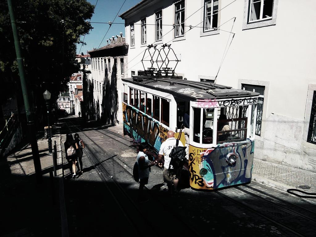 Lisbon tram by khyriah