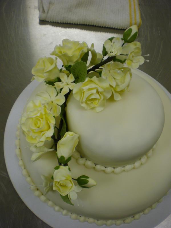 Cake Art White Chocolate Fondant : Fondant Wedding Cake by Heidilu22 on DeviantArt