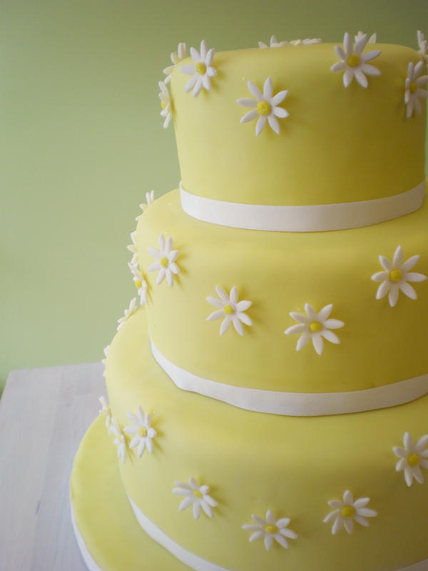 Cake Decor Daisy : Daisy Wedding Cake by Heidilu22 on DeviantArt