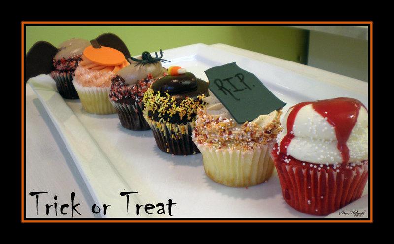 Ghoulish Cupcakes by Heidilu22