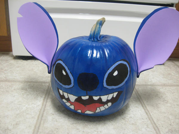 My Stitch Pumpkin by crazybluefrogg