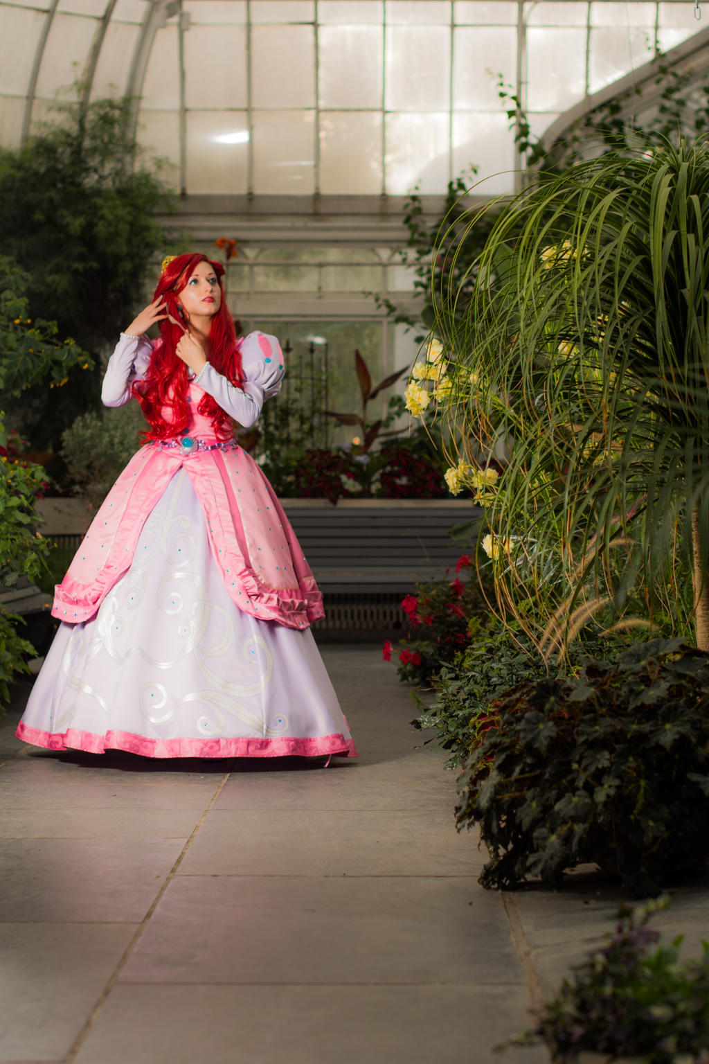 Ariel and her Dinglehopper -  A walk in the garden by LadyPinKuCosplay