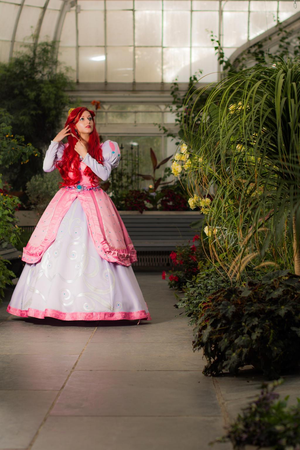 Ariel and her Dinglehopper -  A walk in the garden by LadyRoseTea