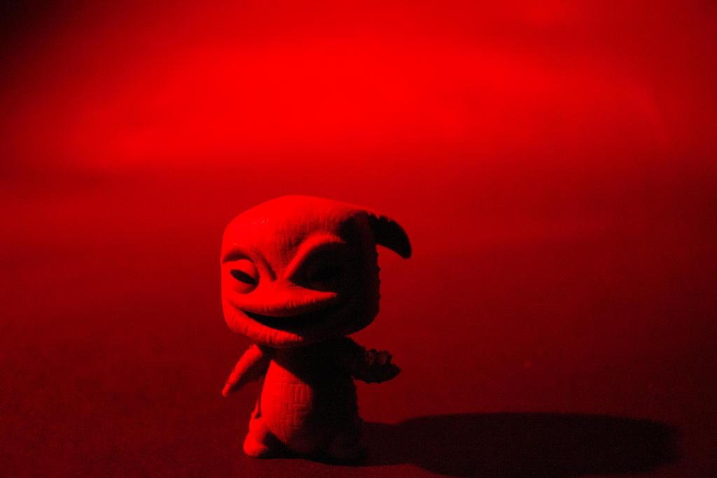 Red Mischief by chaoticdarkness