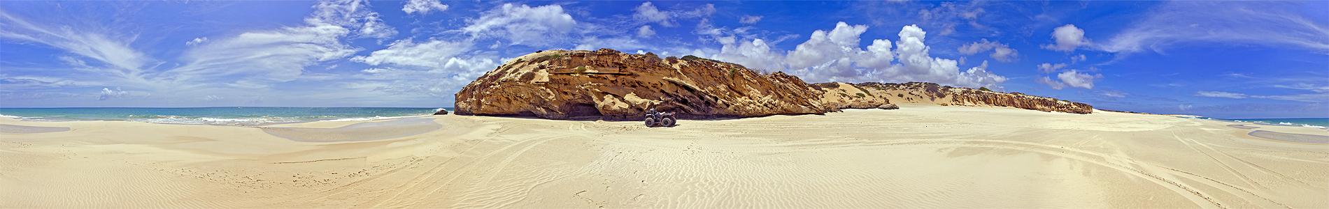 Praia Varandinho by YannisZA