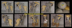 Derpy Hooves with socks and letter