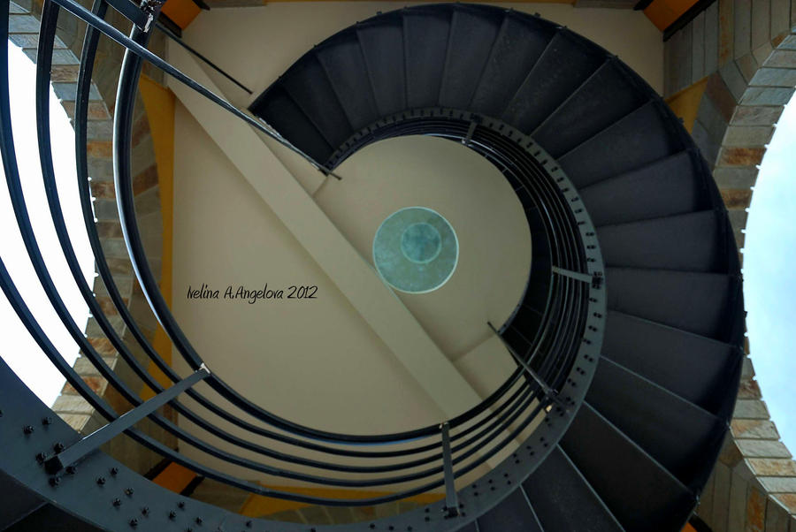 Spiral staircase by yakinii