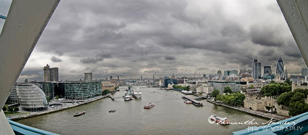London Harbor by BlackCarrionRose