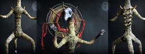 Sentinel-Vega poseable art doll - details