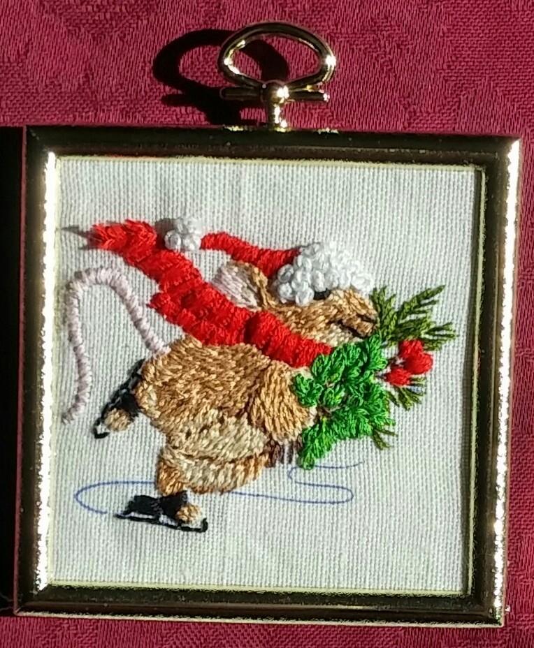 Christmas Mouse 1 by Glori305