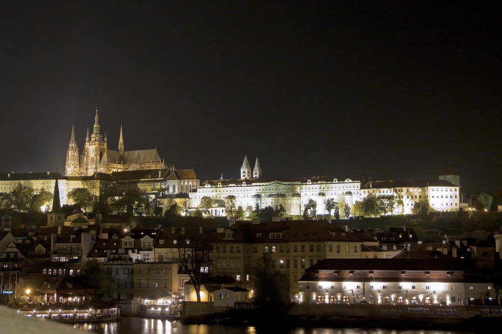 Prague by Night II by Hexaloner