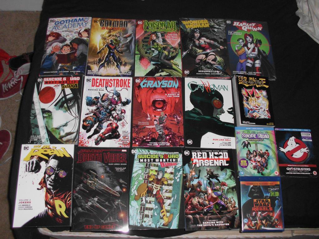 Comic Season-Pre X-mas haul by Foxy-Knight