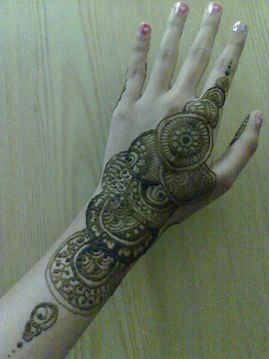 Traditional Circle Mehndi Designs : Henna circle pattern by a w man on deviantart
