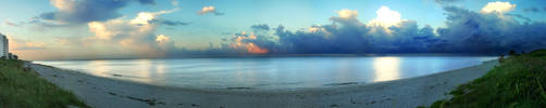 Beach Pano by chiaroscuro