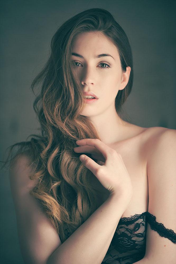 Elle Beth by ciaranwhyte